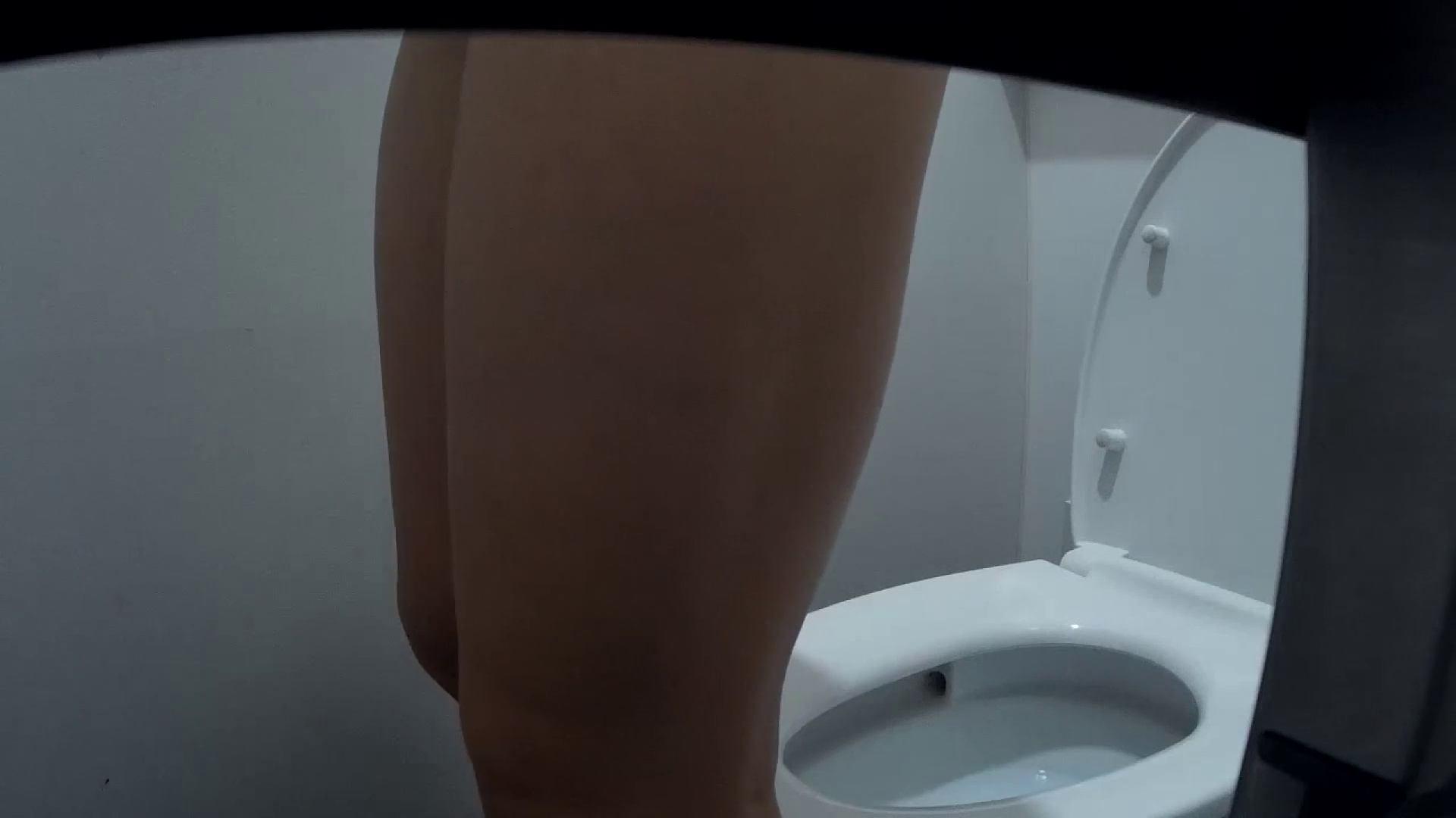 有名大学女性洗面所 vol.50 個室には3つの「目」があるみたいです。 和式・女子用 オメコ動画キャプチャ 53画像 14