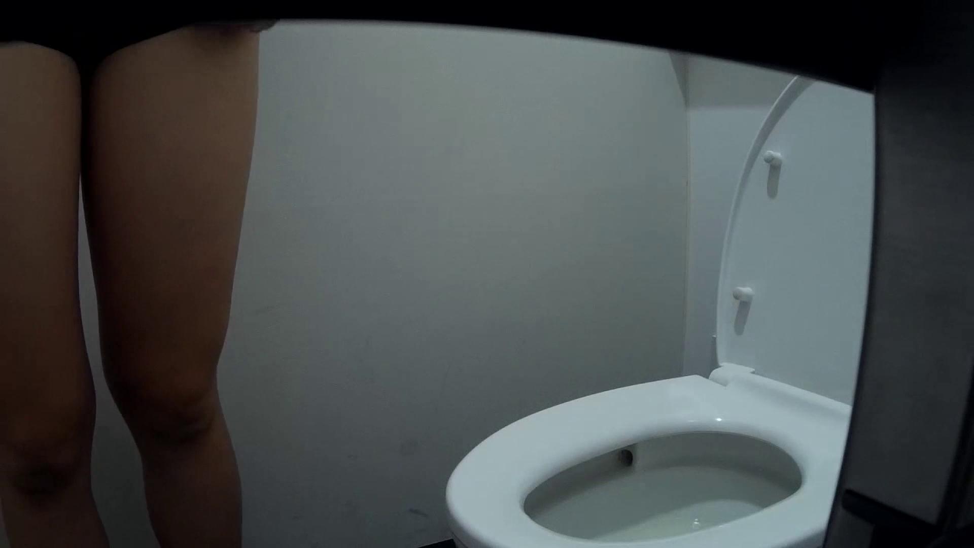 有名大学女性洗面所 vol.50 個室には3つの「目」があるみたいです。 洗面所シーン ワレメ動画紹介 53画像 20