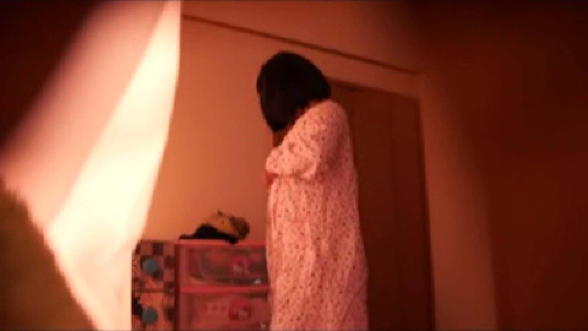vol.2 まりこさんのお着替え、就寝前の映像です。 民家 | ○族  71画像 46
