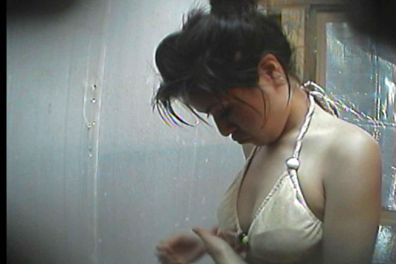 海の家の更衣室 Vol.19 シャワー室   高画質動画  56画像 41
