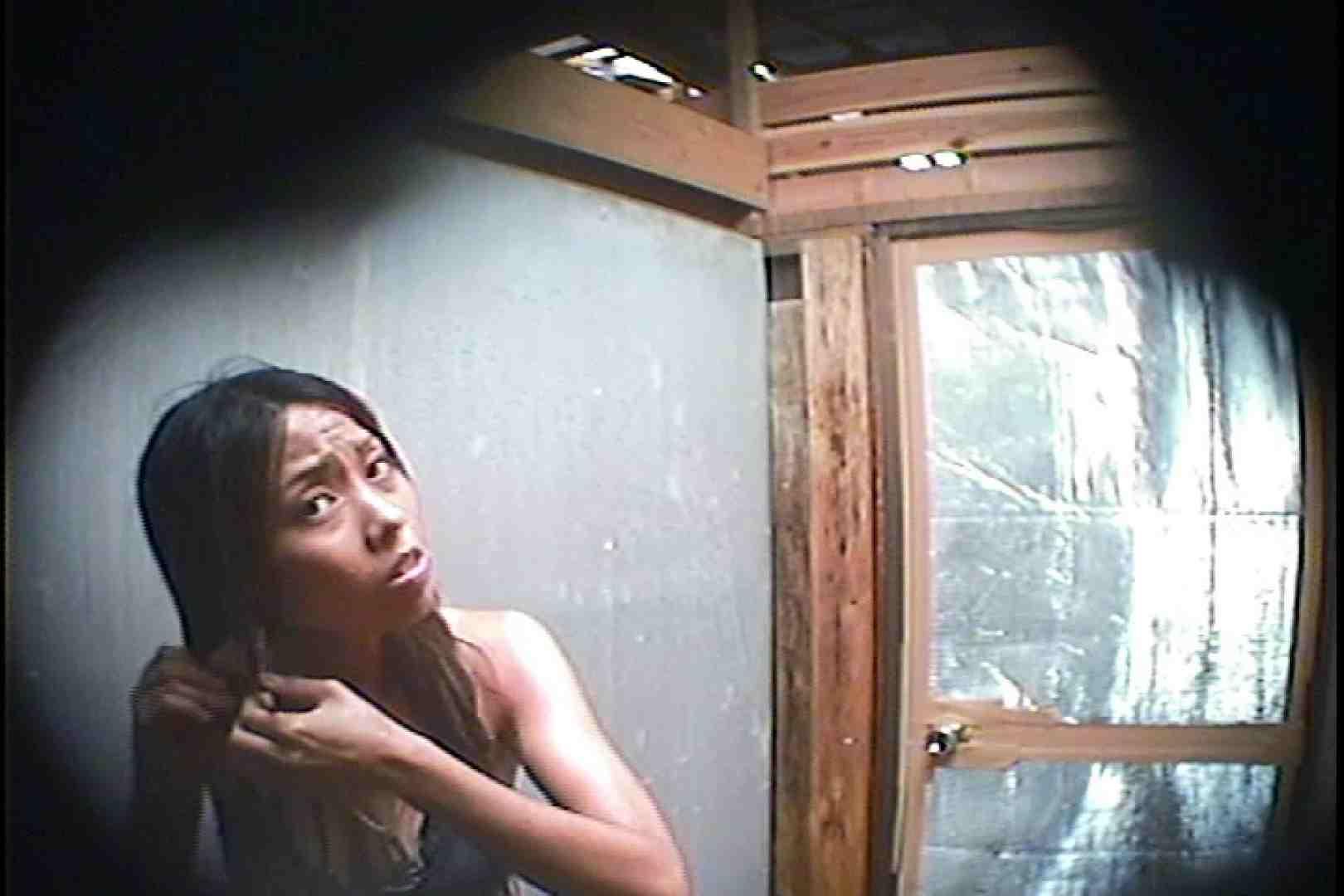 海の家の更衣室 Vol.45 シャワー | 高画質動画  78画像 13