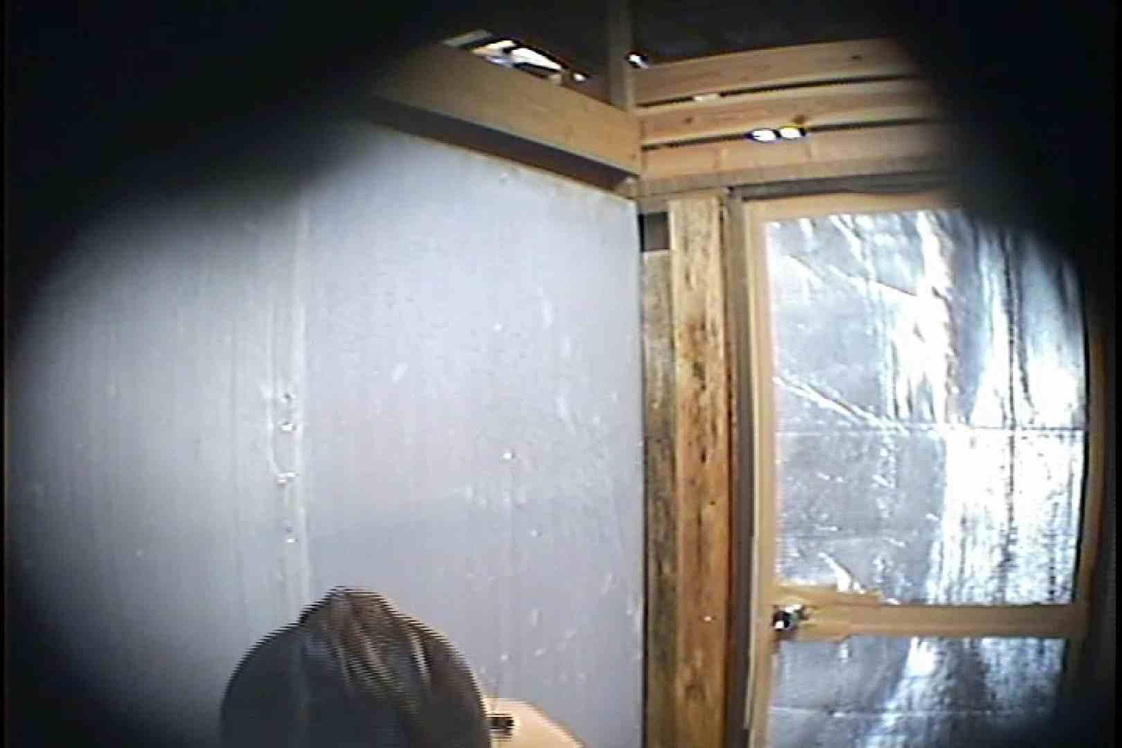 海の家の更衣室 Vol.45 シャワー | 高画質動画  78画像 61