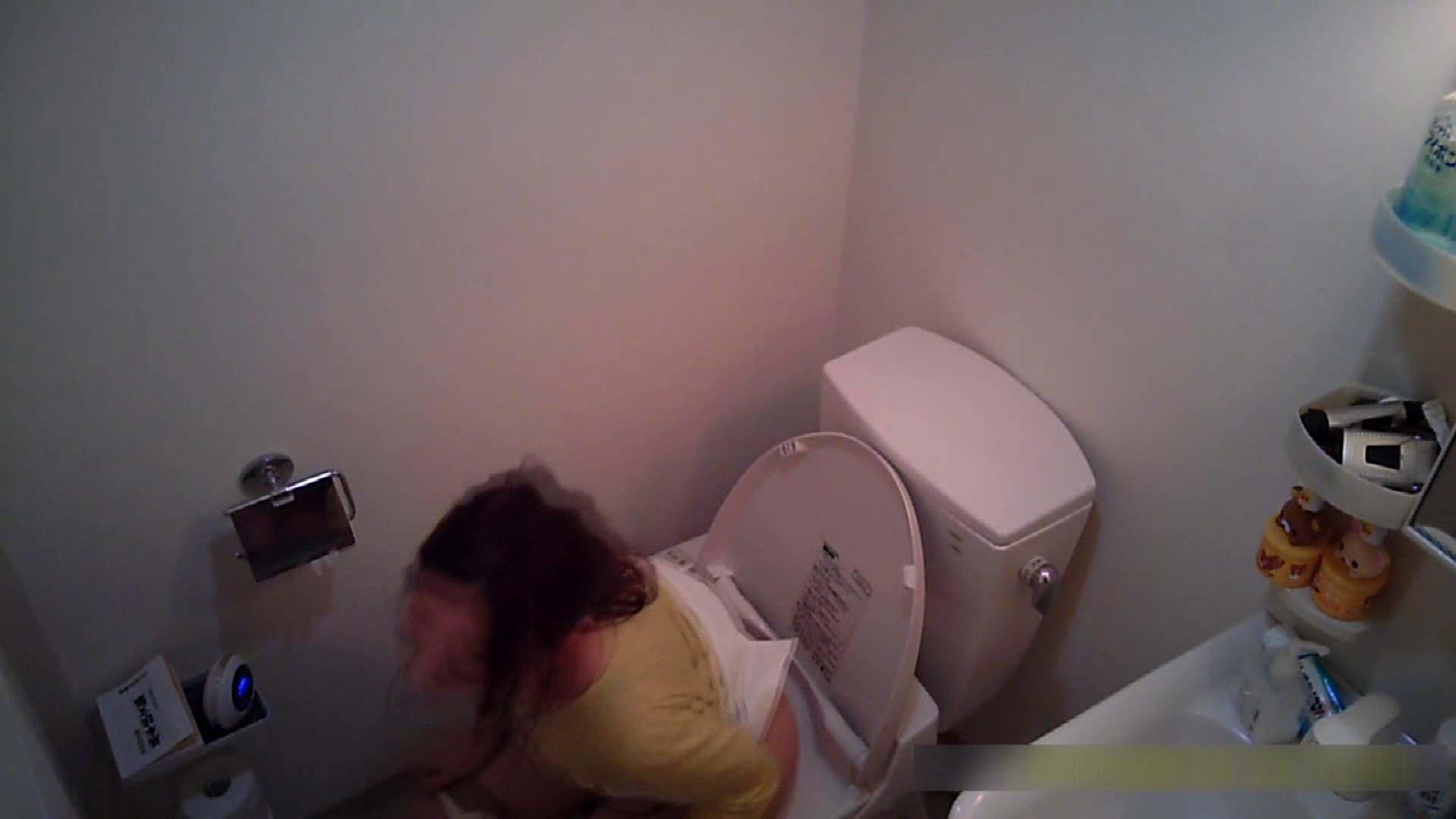乳首大き目の24歳Y子 トイレ編 カップル  80画像 24
