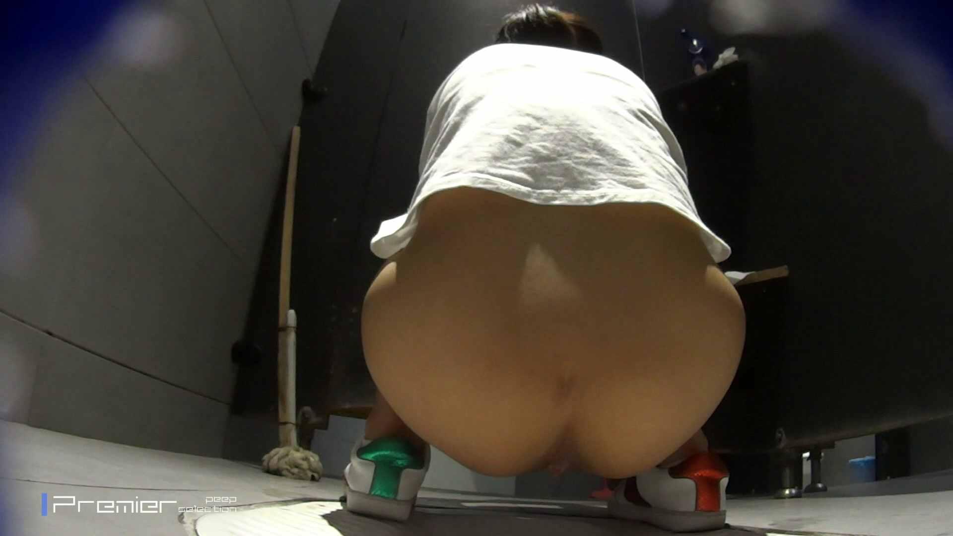 派手なスニーカーの女の子 大学休憩時間の洗面所事情63 美女 ぱこり動画紹介 89画像 65