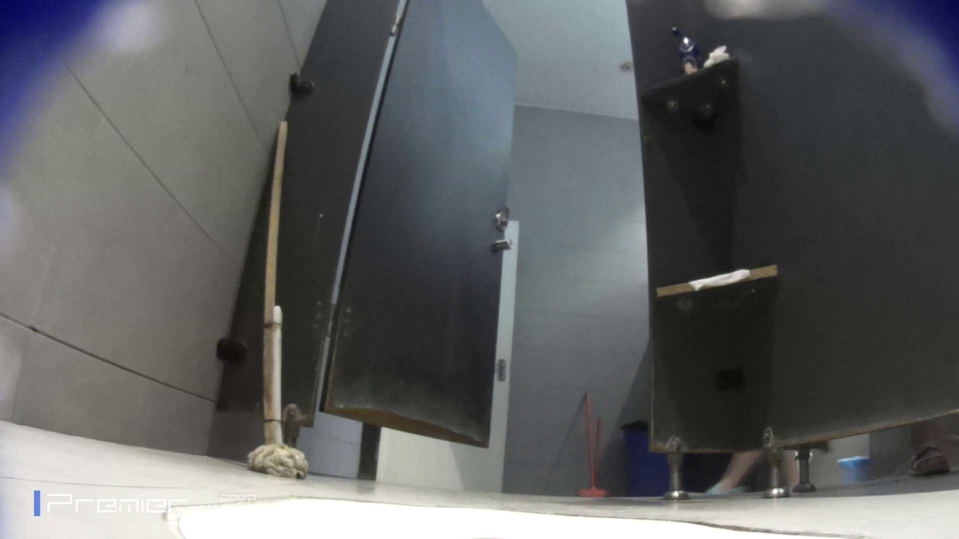 トイレットペーパーを握りしめ個室に入る乙女 大学休憩時間の洗面所事情83 盗撮・必見 | 盛合せ  39画像 1