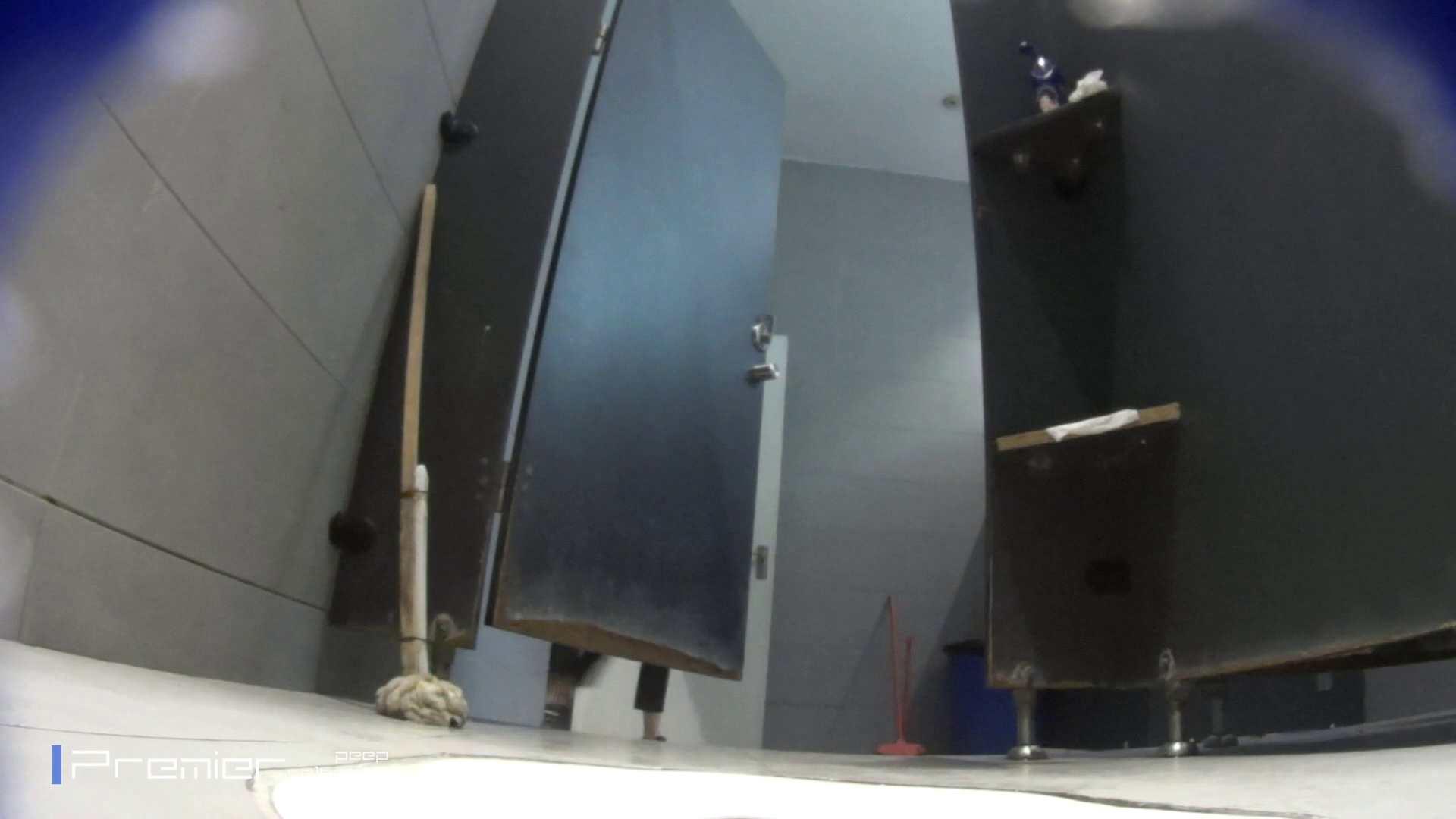 トイレットペーパーを握りしめ個室に入る乙女 大学休憩時間の洗面所事情83 ギャルズ AV動画キャプチャ 39画像 2