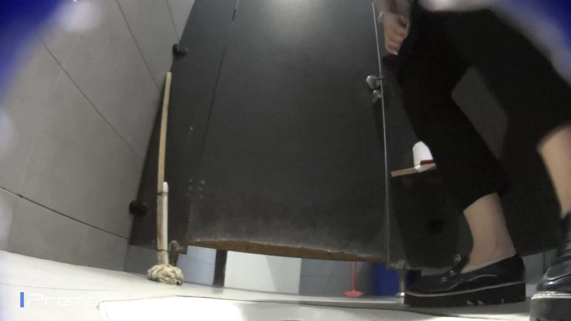 トイレットペーパーを握りしめ個室に入る乙女 大学休憩時間の洗面所事情83 むっちり体型 おめこ無修正画像 39画像 9
