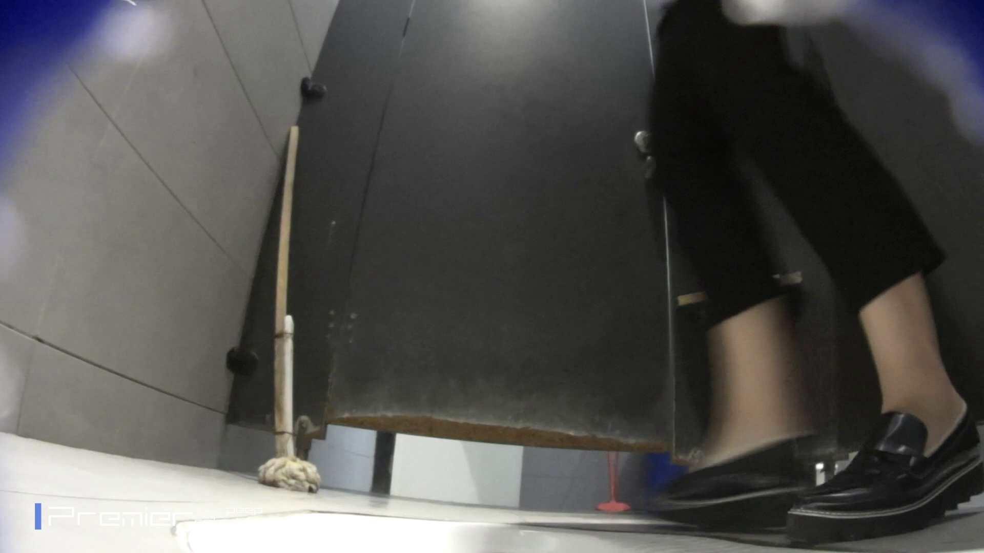 トイレットペーパーを握りしめ個室に入る乙女 大学休憩時間の洗面所事情83 トイレで・・・ おまんこ動画流出 39画像 10