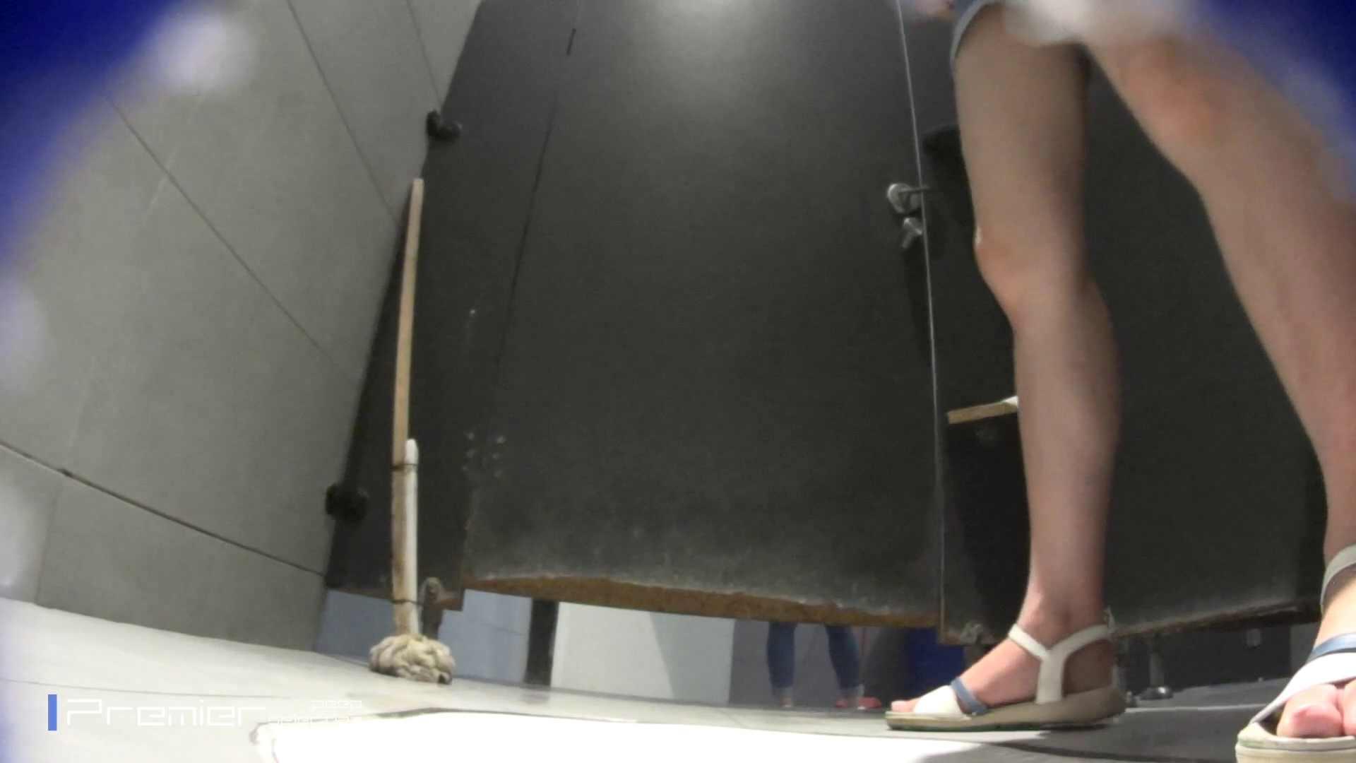 個室のドアを開けたまま放nyoする乙女 大学休憩時間の洗面所事情85 細身・スレンダー  90画像 24