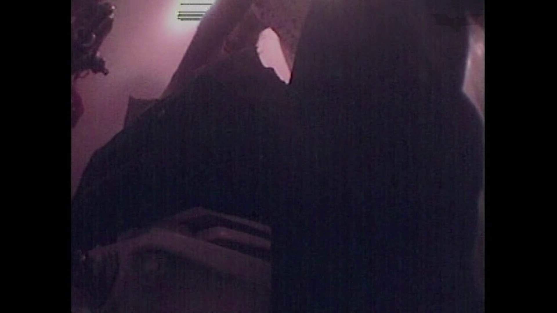 レース場での秘め事 Vol.01 洗面所シーン ぱこり動画紹介 84画像 4