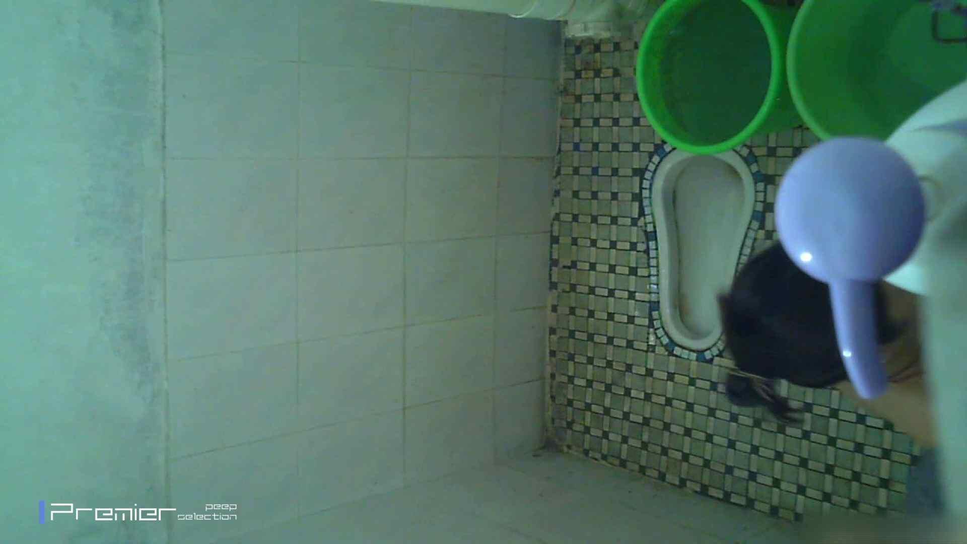 美女の痴態に密着!トイレシーンを密着盗撮!!Vol.12 トイレで・・・ えろ無修正画像 58画像 43