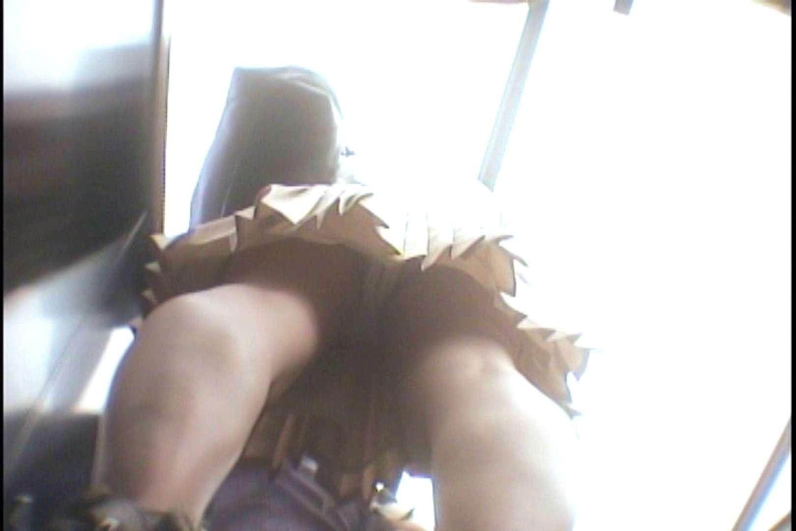 会員No.10 KAIさんのパンチラOL通勤の会 パンツ | チラ  30画像 25