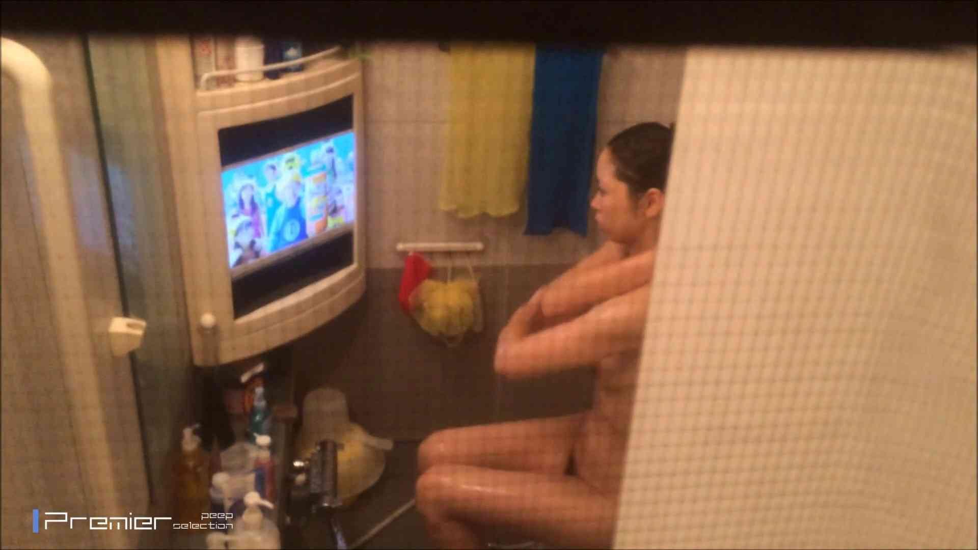 美女のテレビを見ながらの入浴 乙女の風呂場 Vol.21 美乳 えろ無修正画像 69画像 52