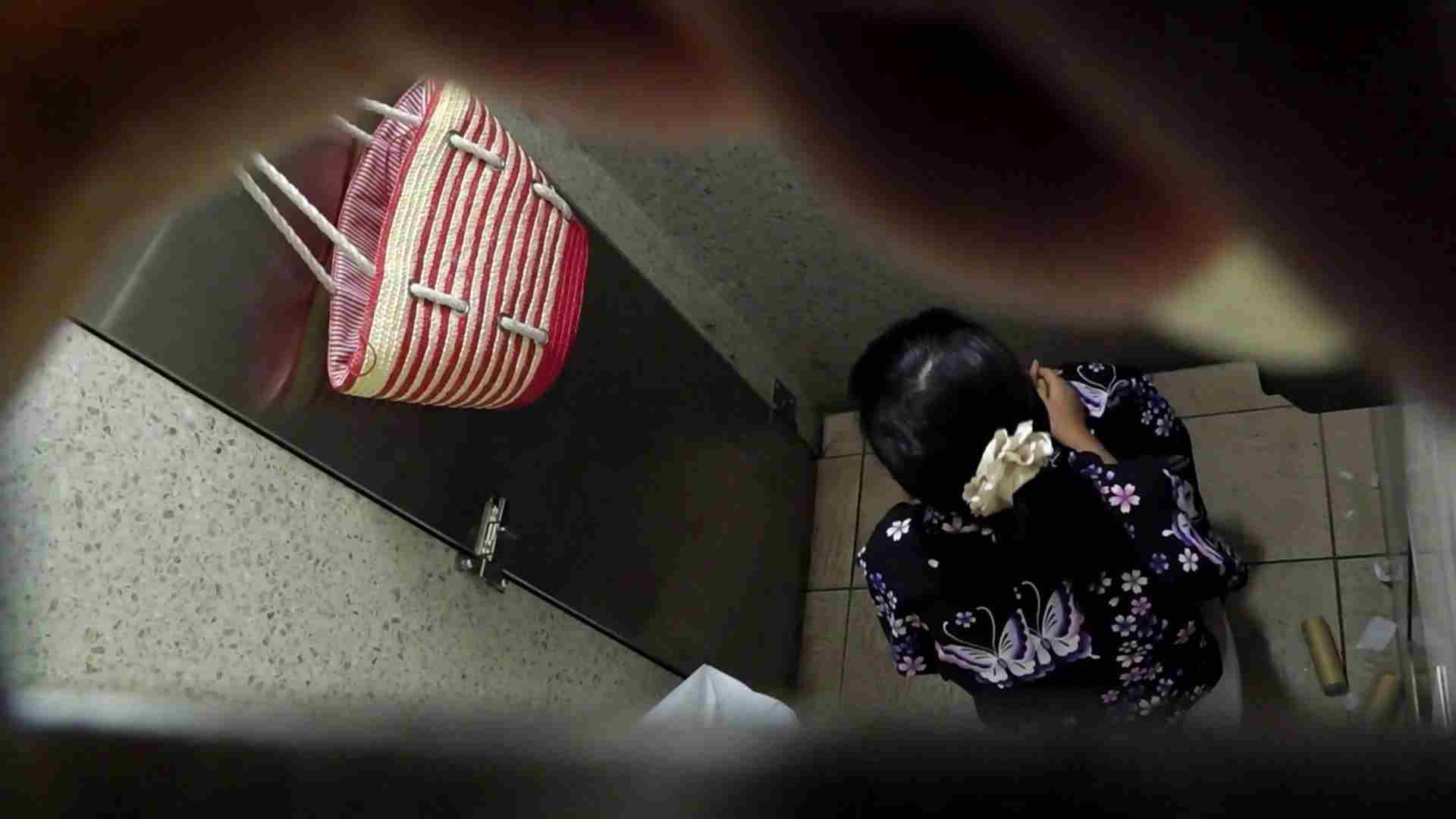 ▲復活限定▲マンコ丸見え!花火大会潜入撮 Vol.02 明るい場所に移動! マンコ ヌード画像 95画像 35