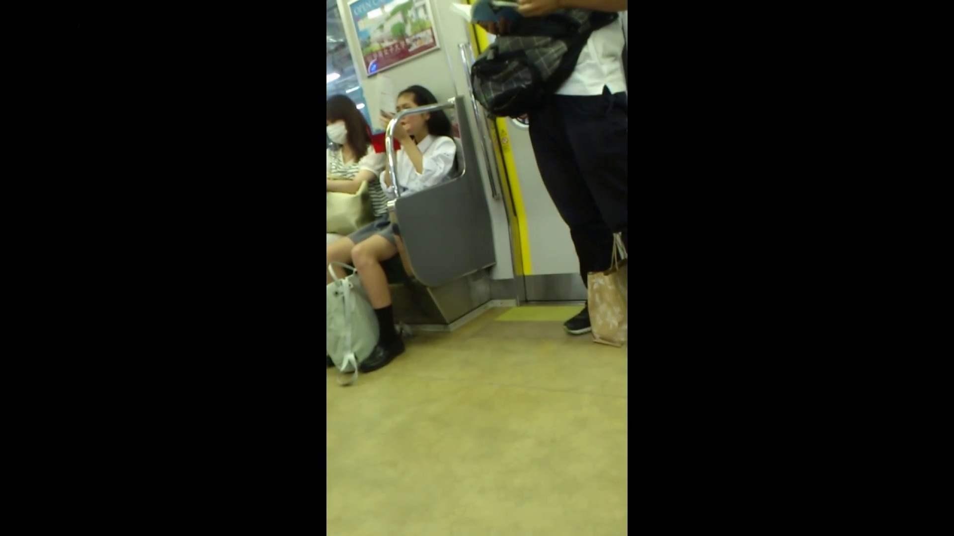 盗撮列車 vol.05 制月反のスカートの中が…見たいです。 グループエッチ | パンチラ・ギャル 盗撮 64画像 12