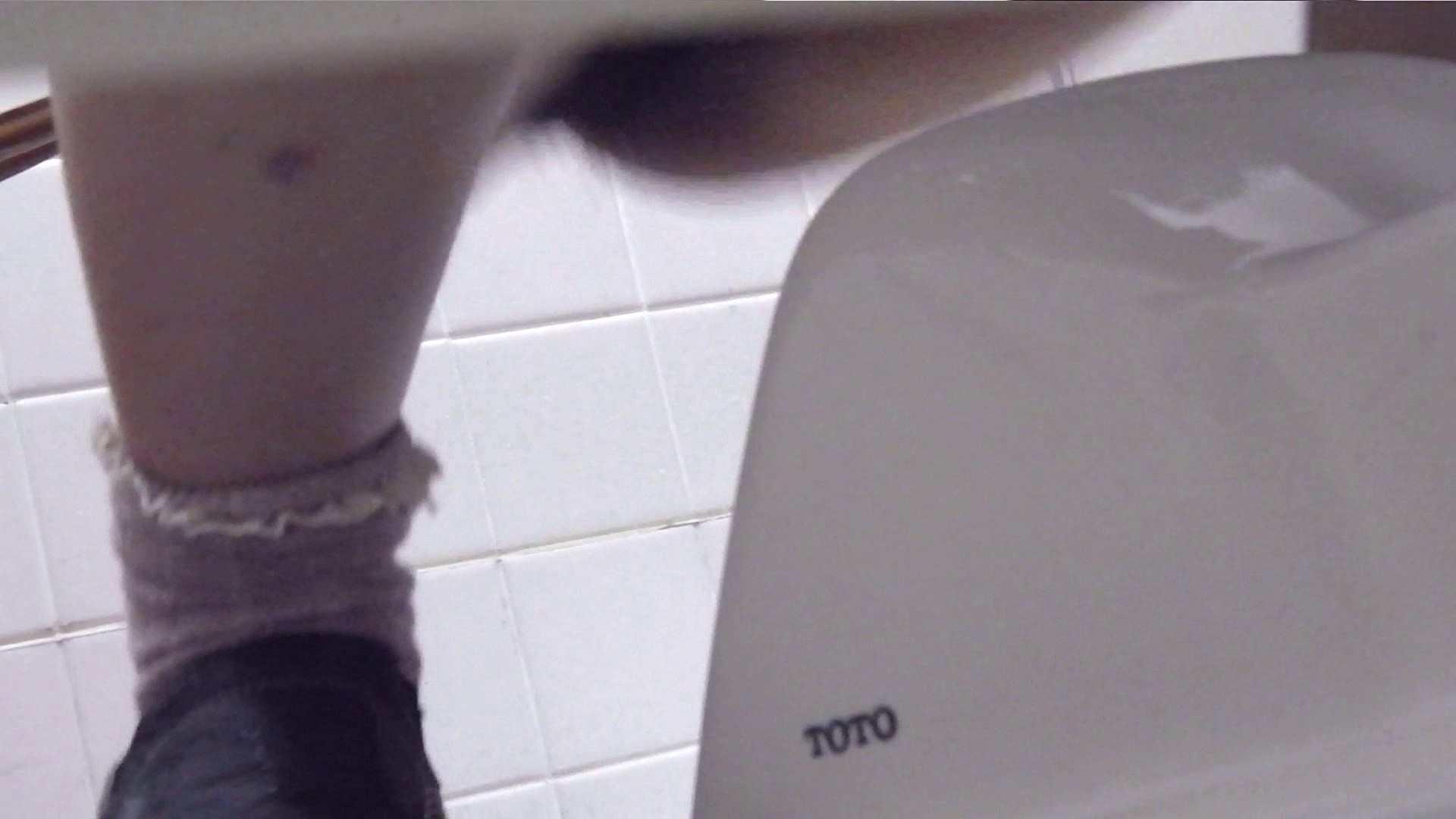 お銀さんの「洗面所突入レポート!!」Nol.4 丸見え オマンコ無修正動画無料 51画像 8