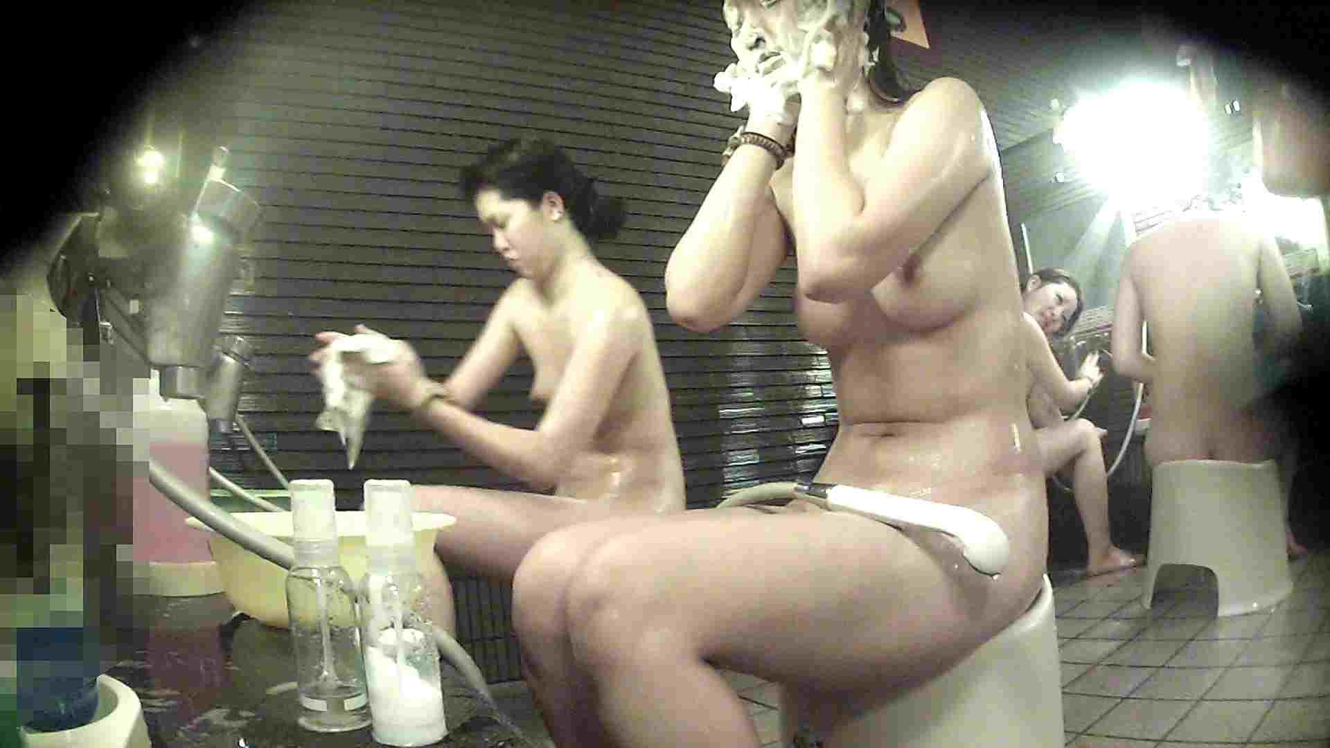 洗い場!神様は不公平・・・全ての要素で勝る手前の子 潜入   女湯の中  93画像 28