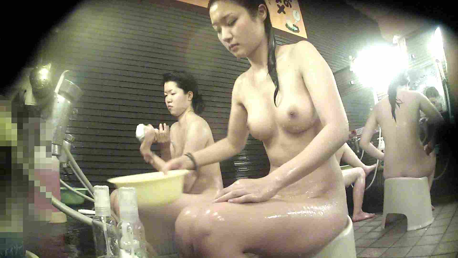洗い場!神様は不公平・・・全ての要素で勝る手前の子 潜入   女湯の中  93画像 91