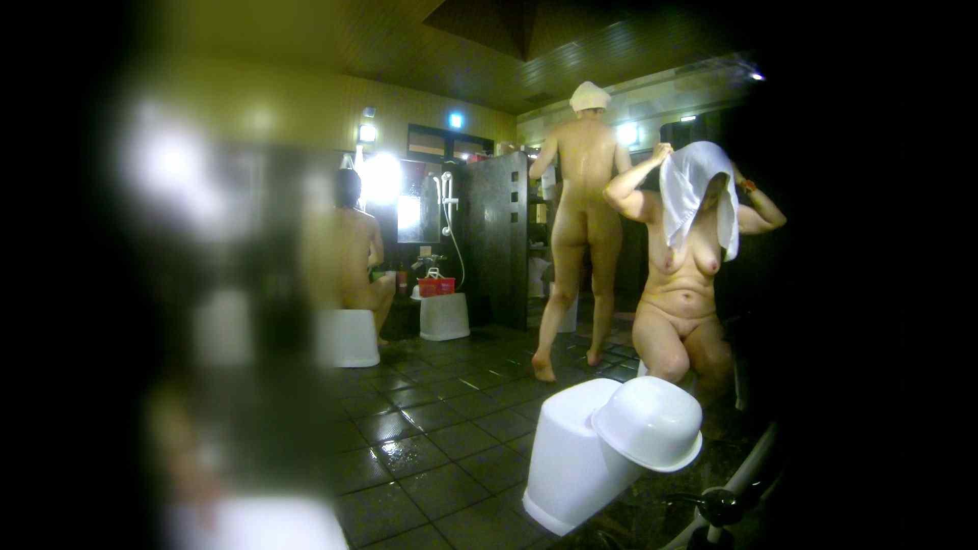 洗い場!右足の位置がいいですね。陰毛もっさり! 銭湯のぞき | 女湯の中  74画像 22