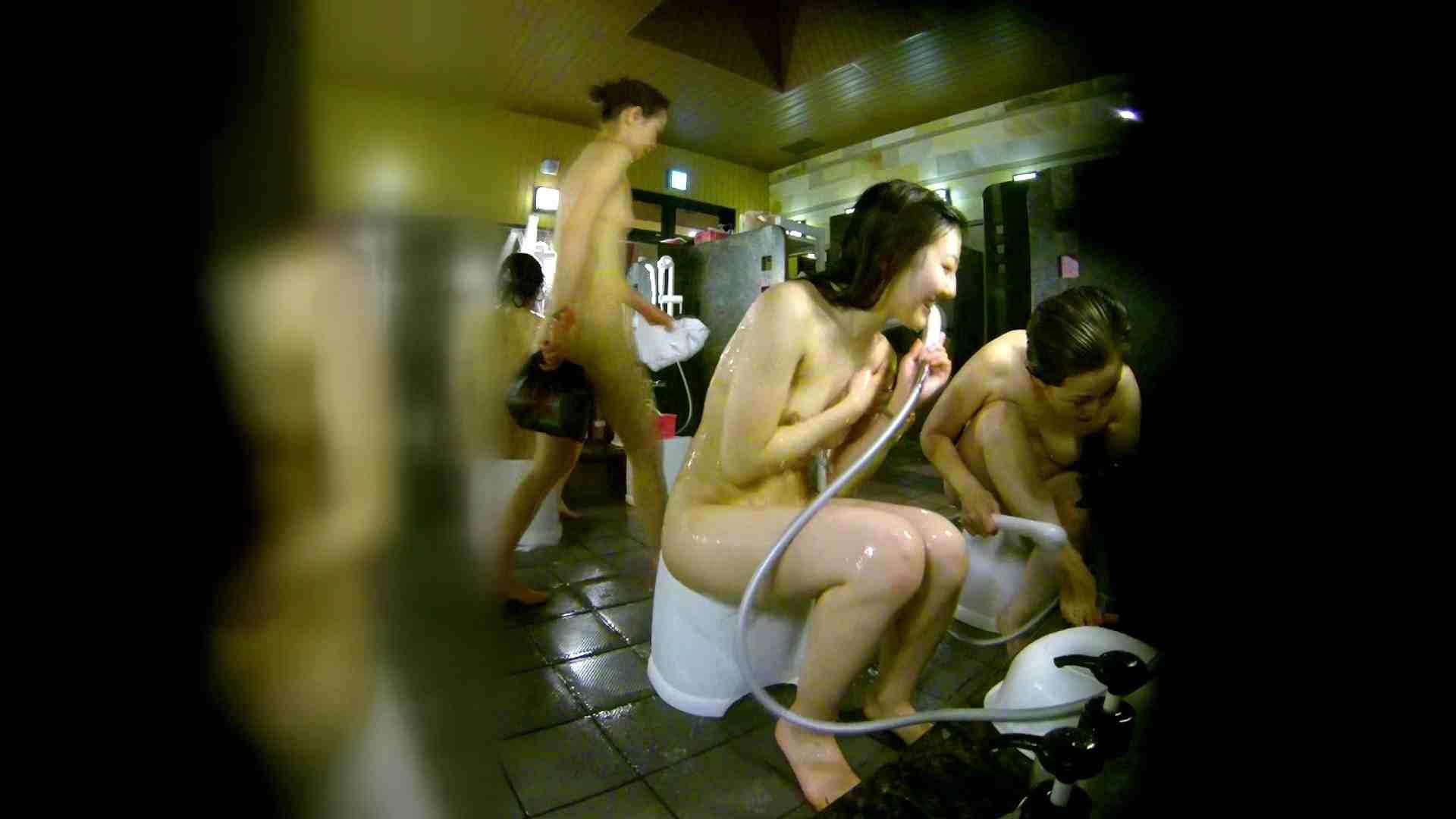 洗い場!右足の位置がいいですね。陰毛もっさり! 銭湯のぞき | 女湯の中  74画像 50