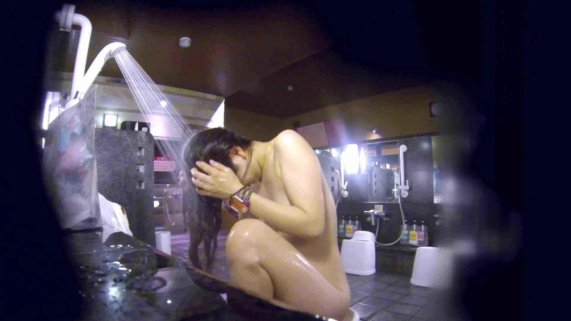 洗い場!腹肉をオッパイにしようとしてますが無理でしょうね。 女湯の中  95画像 49