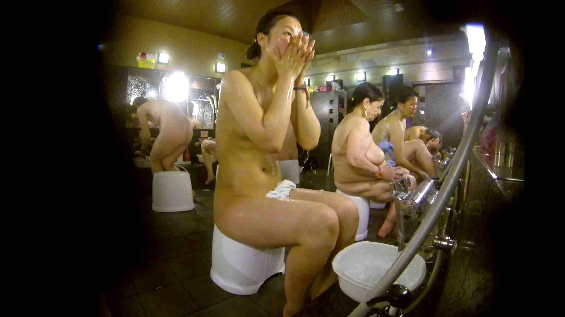 追い撮り!脱衣~洗い場、徹底追跡!撮り師さんに拍手!! 潜入  78画像 27