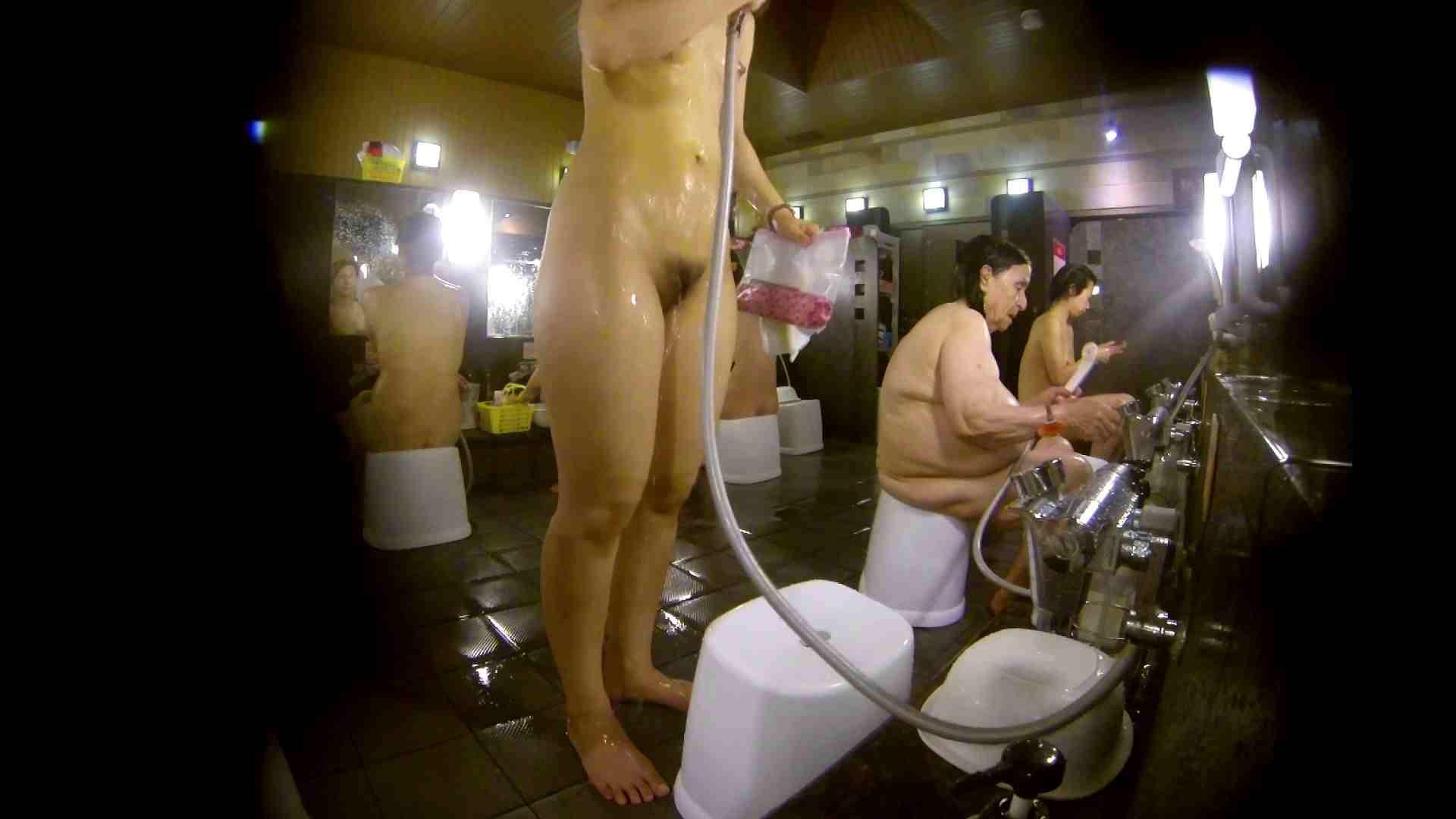 追い撮り!脱衣~洗い場、徹底追跡!撮り師さんに拍手!! 友人・知人 おまんこ動画流出 78画像 61