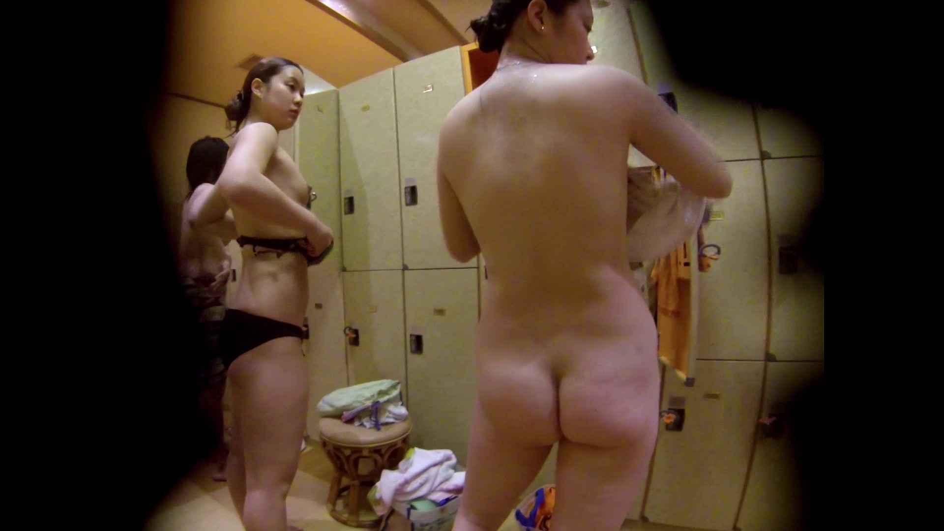 追い撮り!脱衣~洗い場、徹底追跡!撮り師さんに拍手!! むっちり体型 われめAV動画紹介 78画像 67