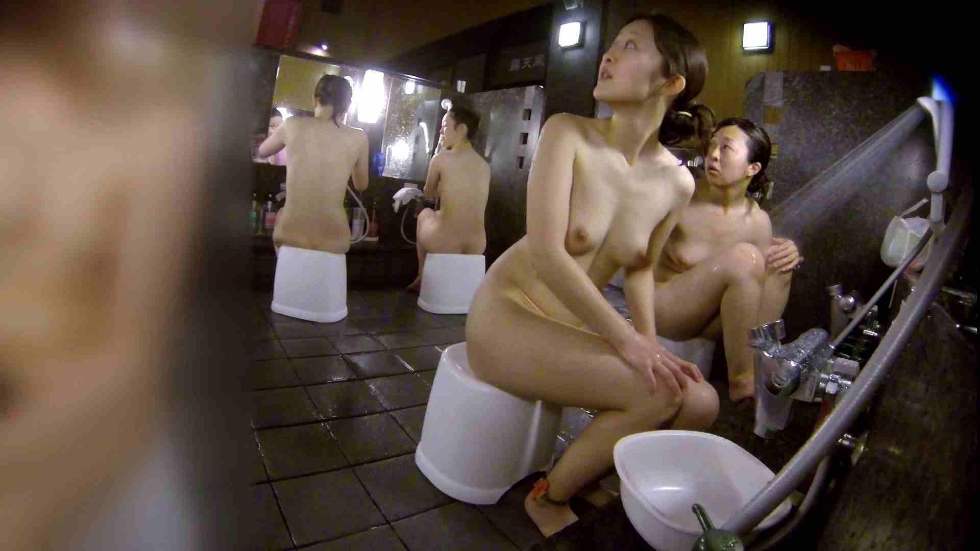 洗い場!地味目の女の子2人組。ずっと話しながら洗ってます。 女湯の中 | 友人・知人  55画像 9
