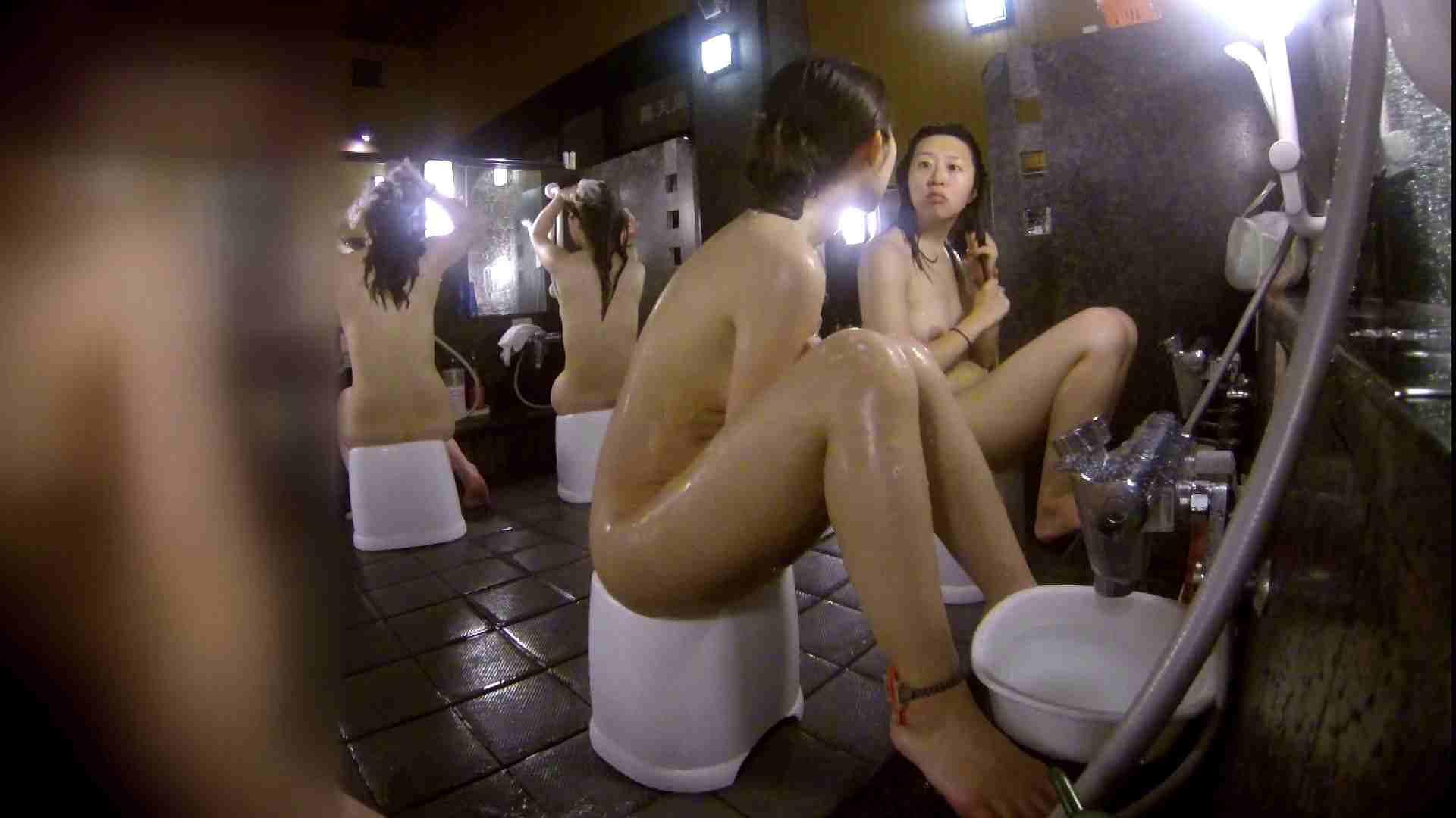 洗い場!地味目の女の子2人組。ずっと話しながら洗ってます。 むっちり体型 スケベ動画紹介 55画像 14