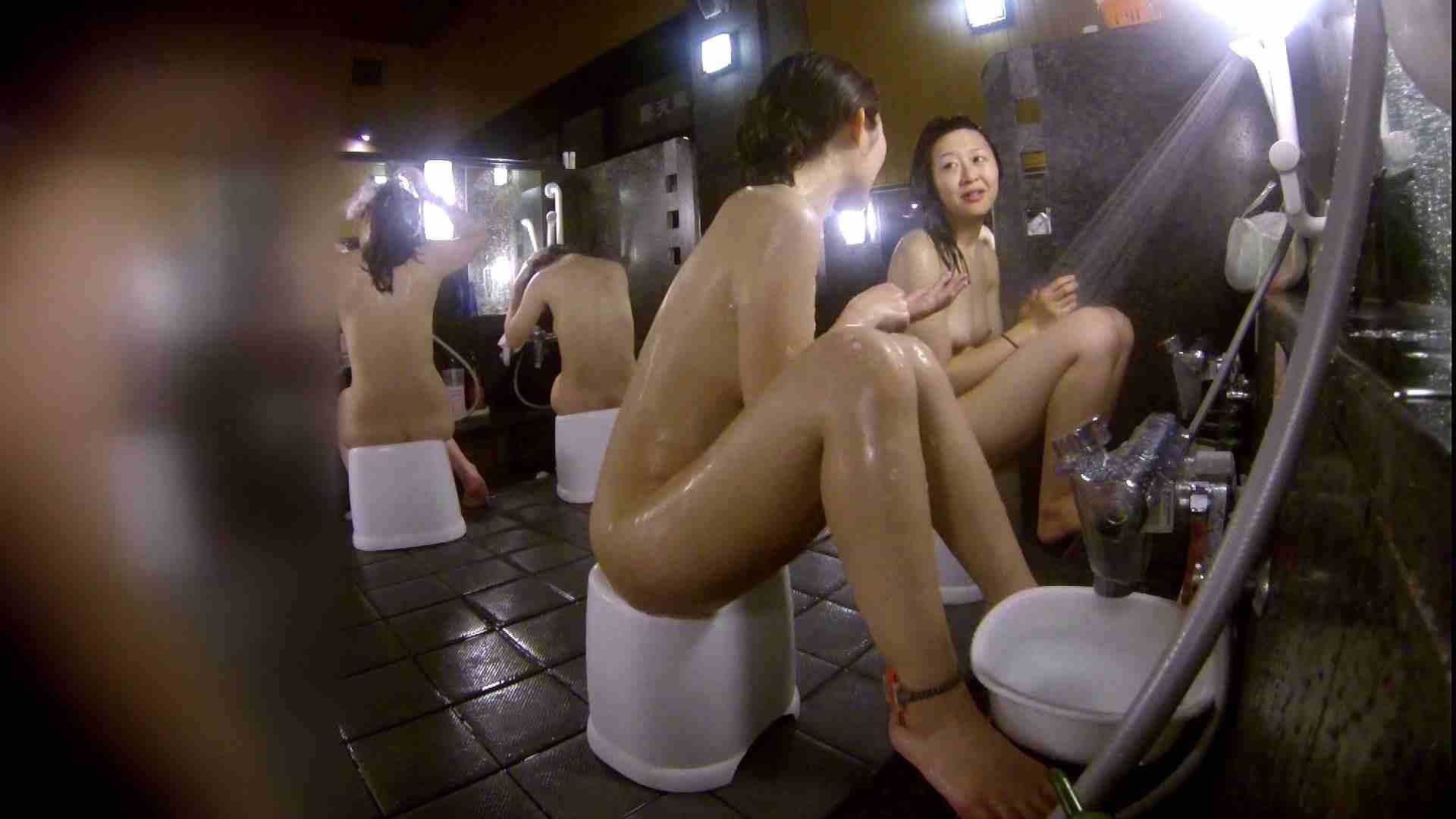洗い場!地味目の女の子2人組。ずっと話しながら洗ってます。 女湯の中 | 友人・知人  55画像 17