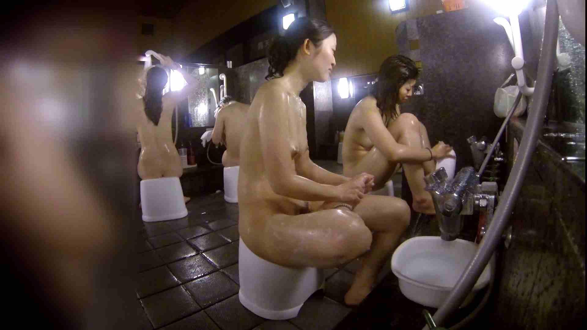 洗い場!地味目の女の子2人組。ずっと話しながら洗ってます。 銭湯のぞき 濡れ場動画紹介 55画像 23