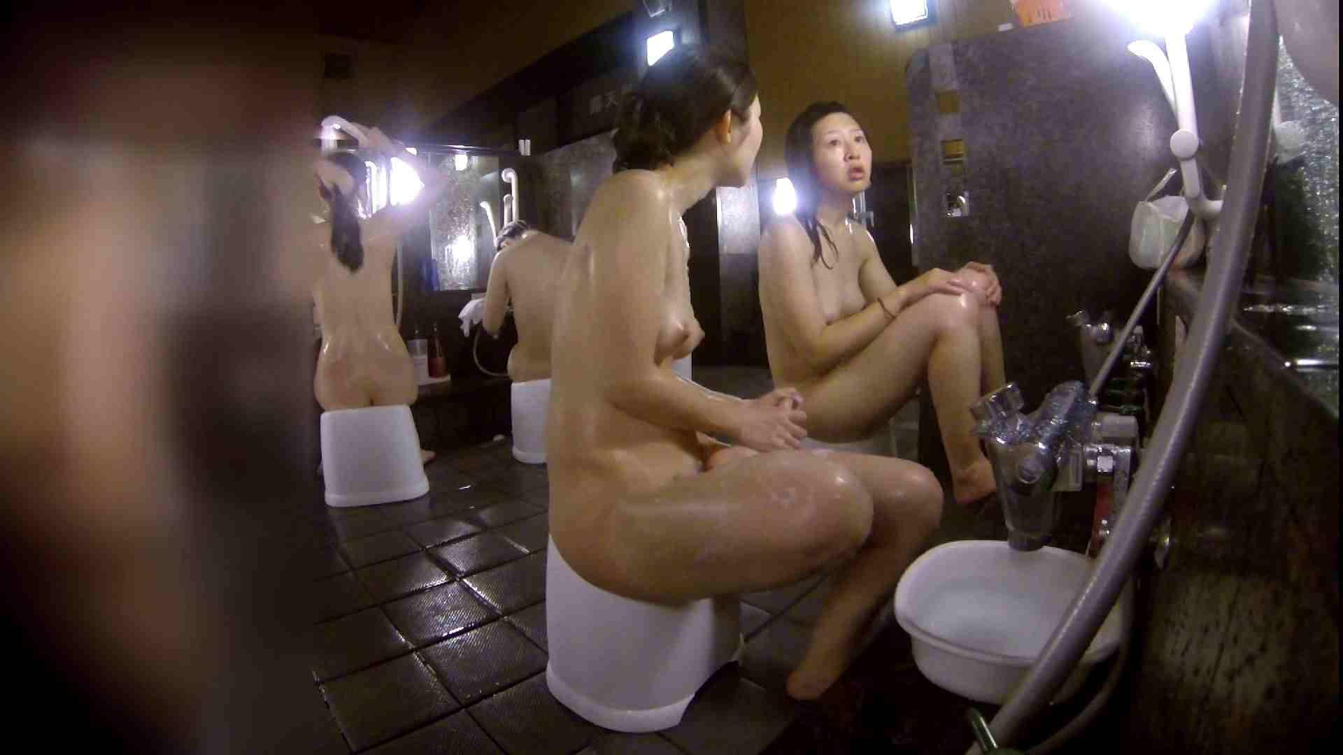洗い場!地味目の女の子2人組。ずっと話しながら洗ってます。 女湯の中  55画像 24