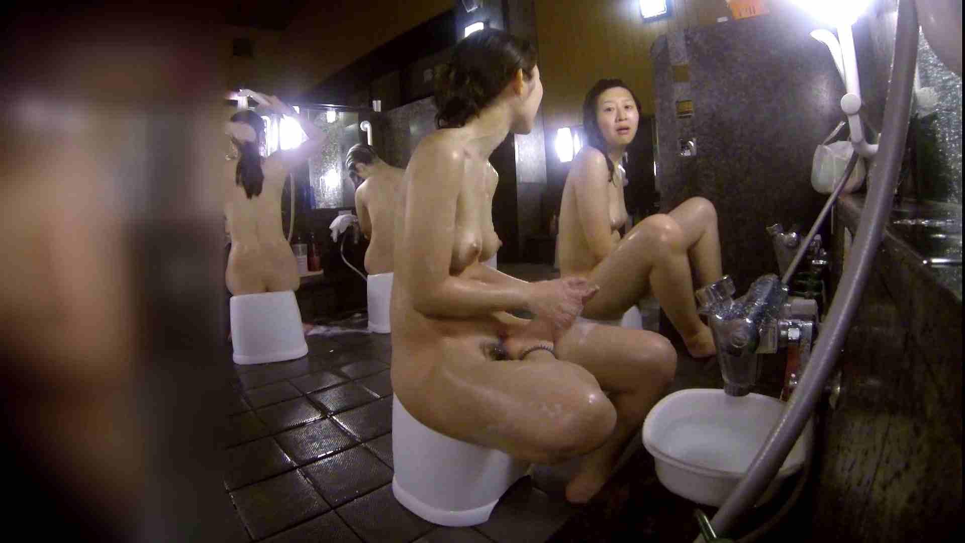 洗い場!地味目の女の子2人組。ずっと話しながら洗ってます。 ギャルズ おまんこ動画流出 55画像 26