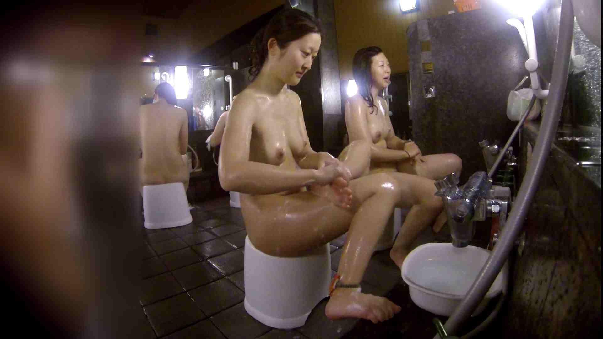 洗い場!地味目の女の子2人組。ずっと話しながら洗ってます。 潜入 オマンコ動画キャプチャ 55画像 29