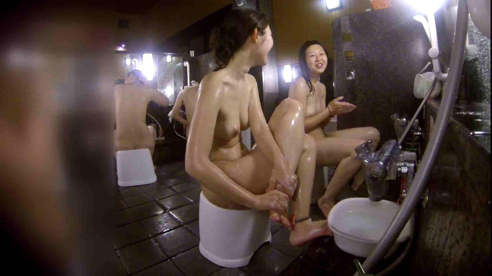 洗い場!地味目の女の子2人組。ずっと話しながら洗ってます。 むっちり体型 スケベ動画紹介 55画像 30