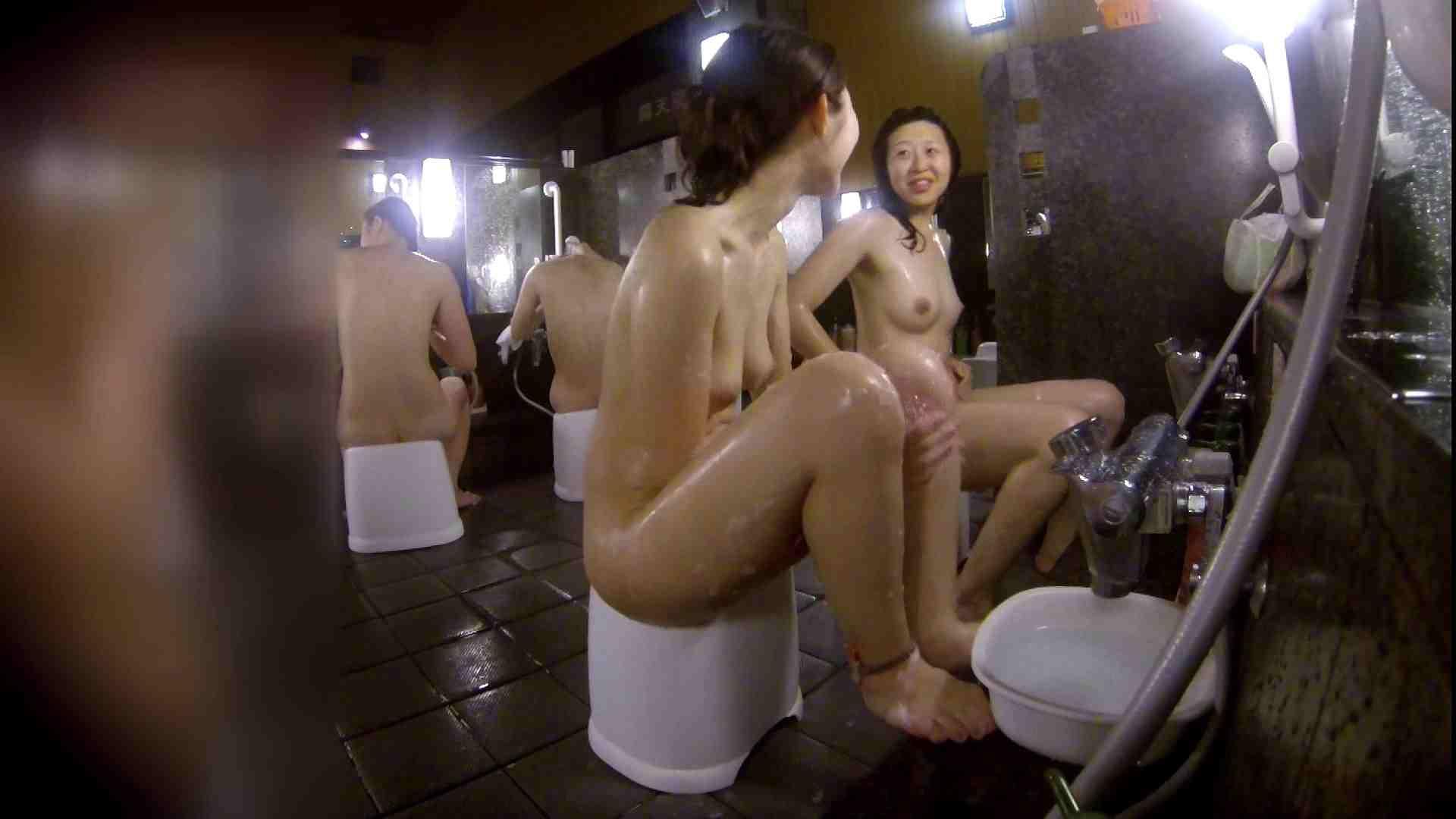 洗い場!地味目の女の子2人組。ずっと話しながら洗ってます。 女湯の中  55画像 32