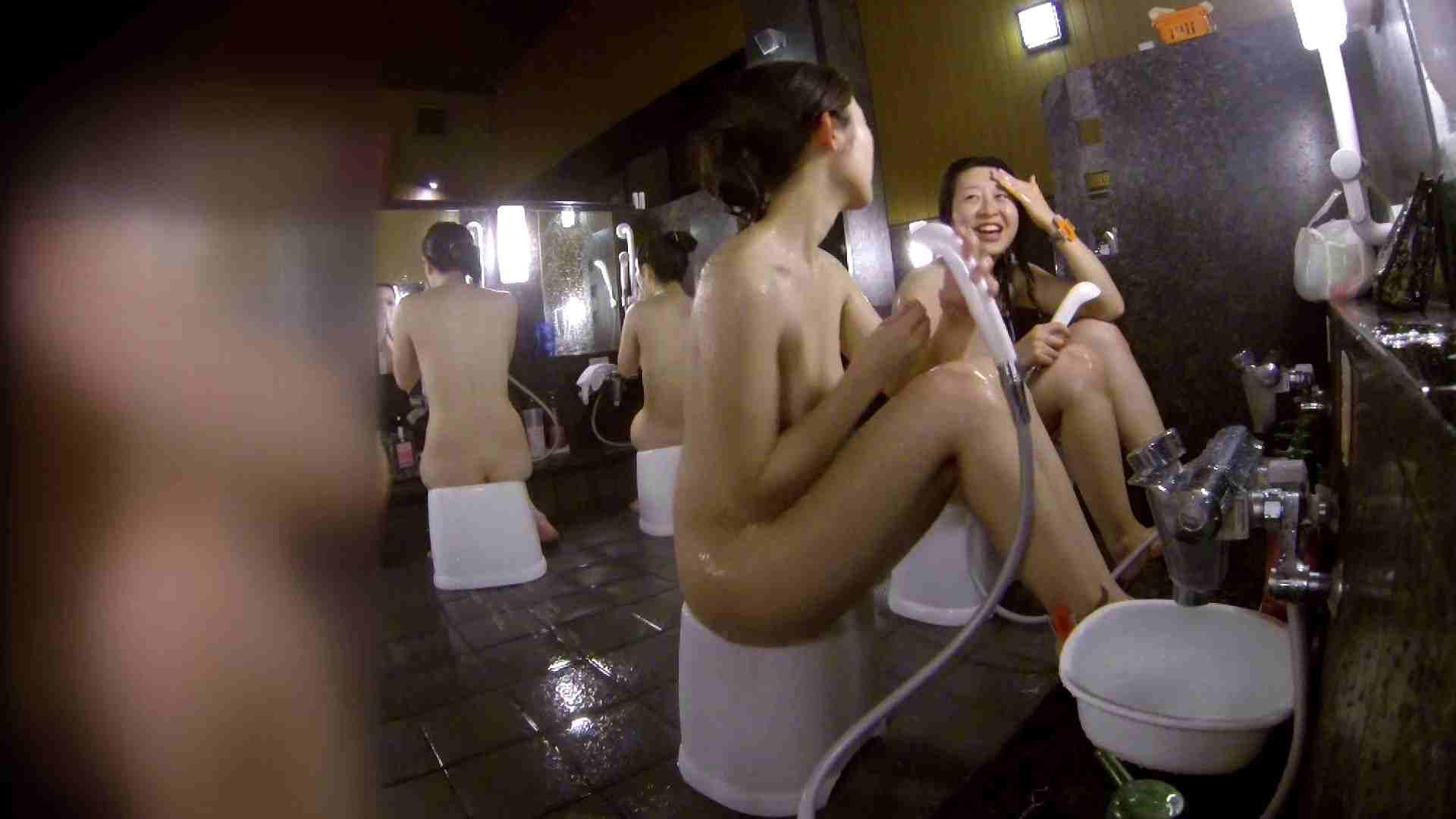 洗い場!地味目の女の子2人組。ずっと話しながら洗ってます。 美肌 おめこ無修正画像 55画像 43