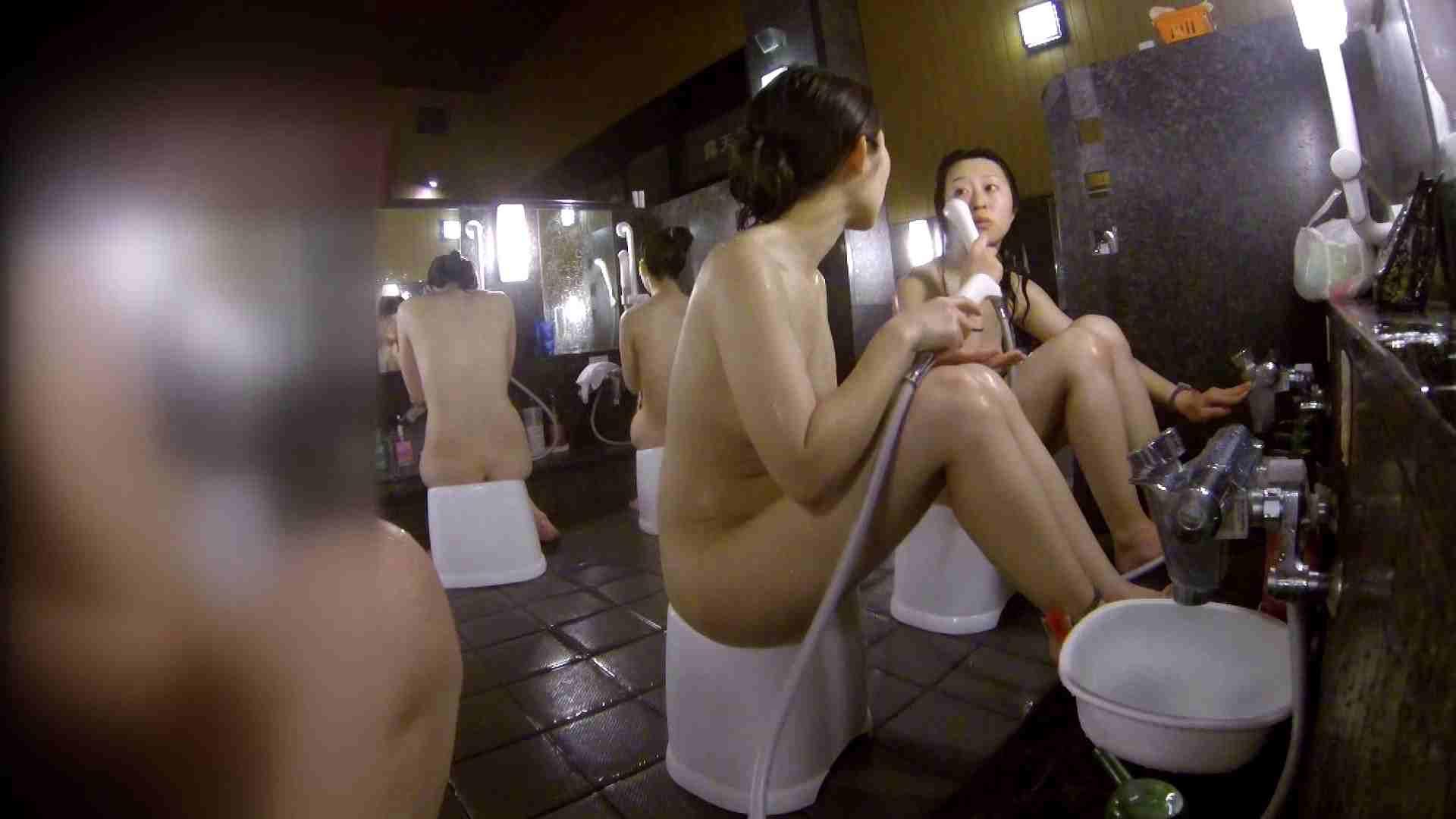 洗い場!地味目の女の子2人組。ずっと話しながら洗ってます。 銭湯のぞき 濡れ場動画紹介 55画像 47