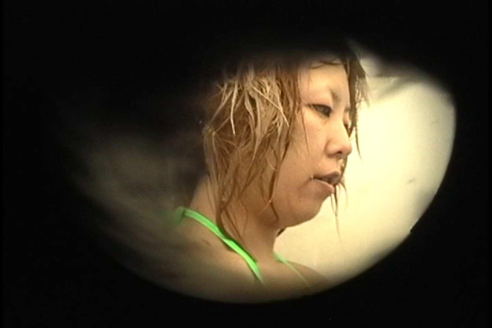 No.26 腰にタトゥー、バックスジマン発見! シャワー室 濡れ場動画紹介 23画像 11