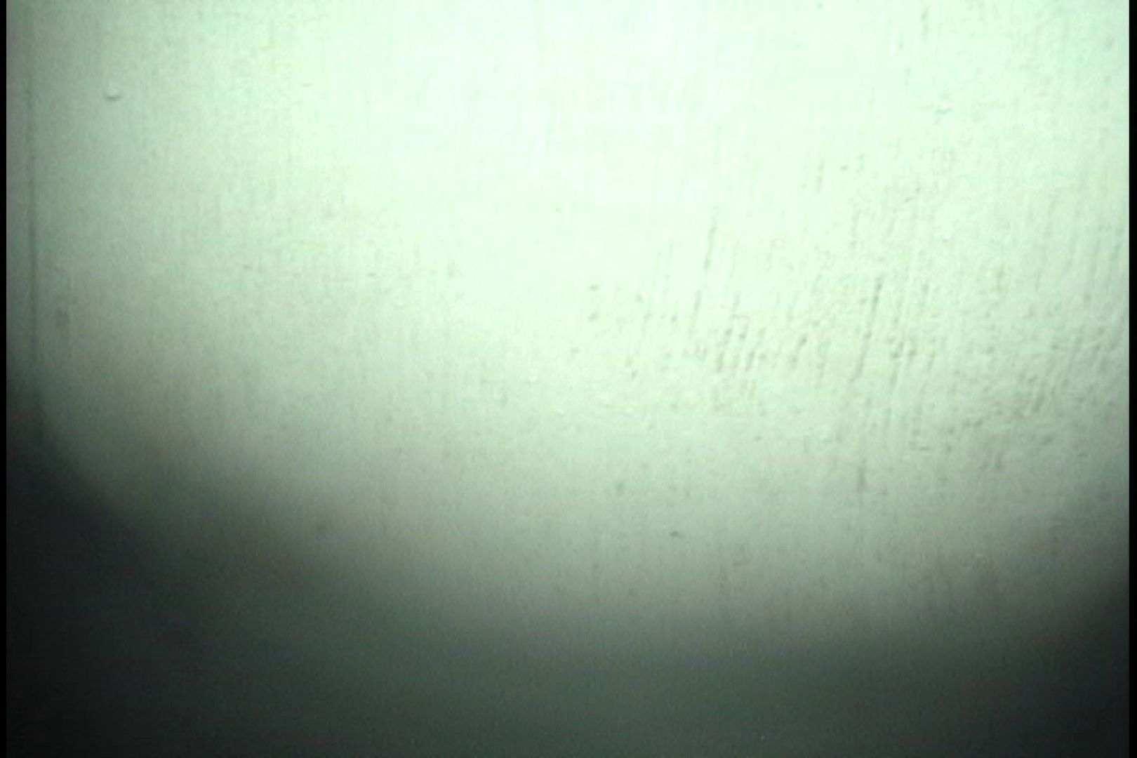 No.85 男の影が見え隠れするものの・・・ シャワー 戯れ無修正画像 42画像 28