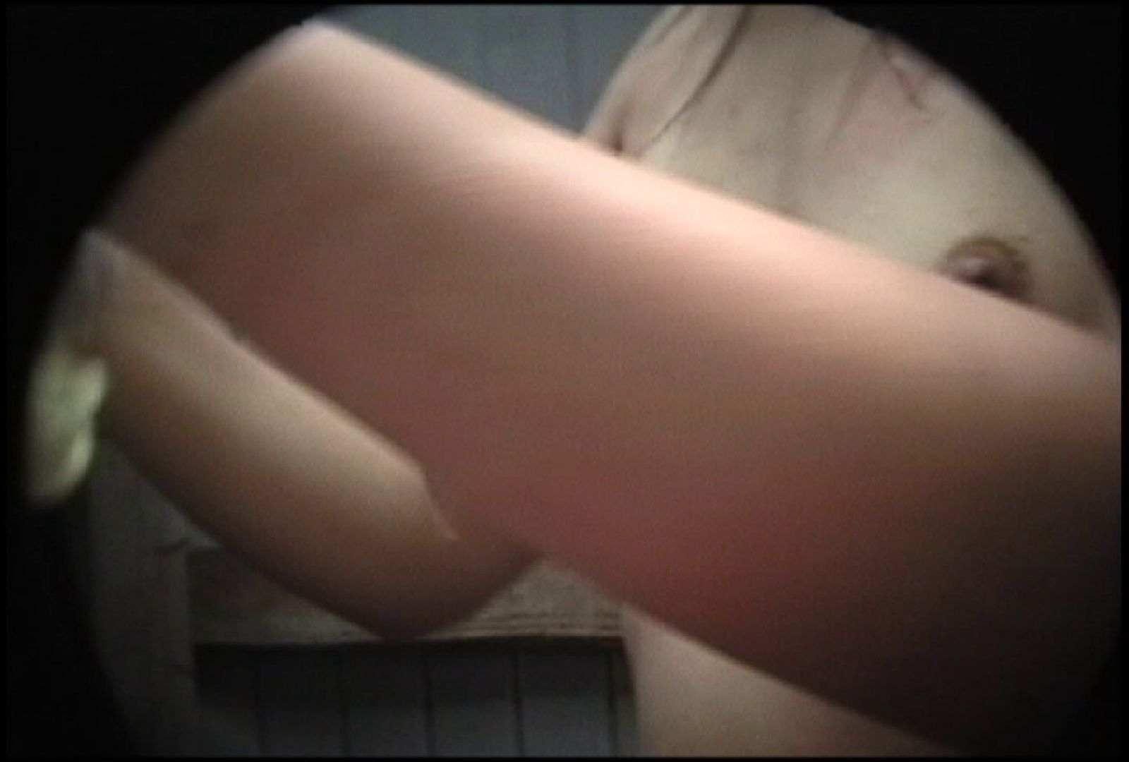 No.134 年増のぽっこりお腹 シャワー室  102画像 96