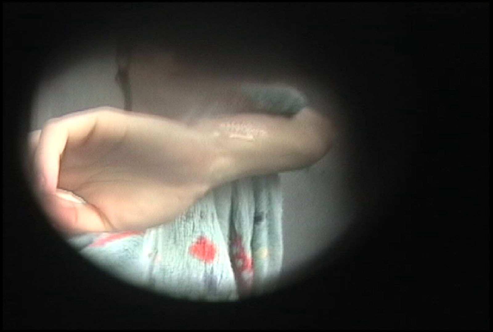 No.145 肩のタトゥーが切なさ誘うタレ巨乳おねえさま 接写 ワレメ無修正動画無料 30画像 27