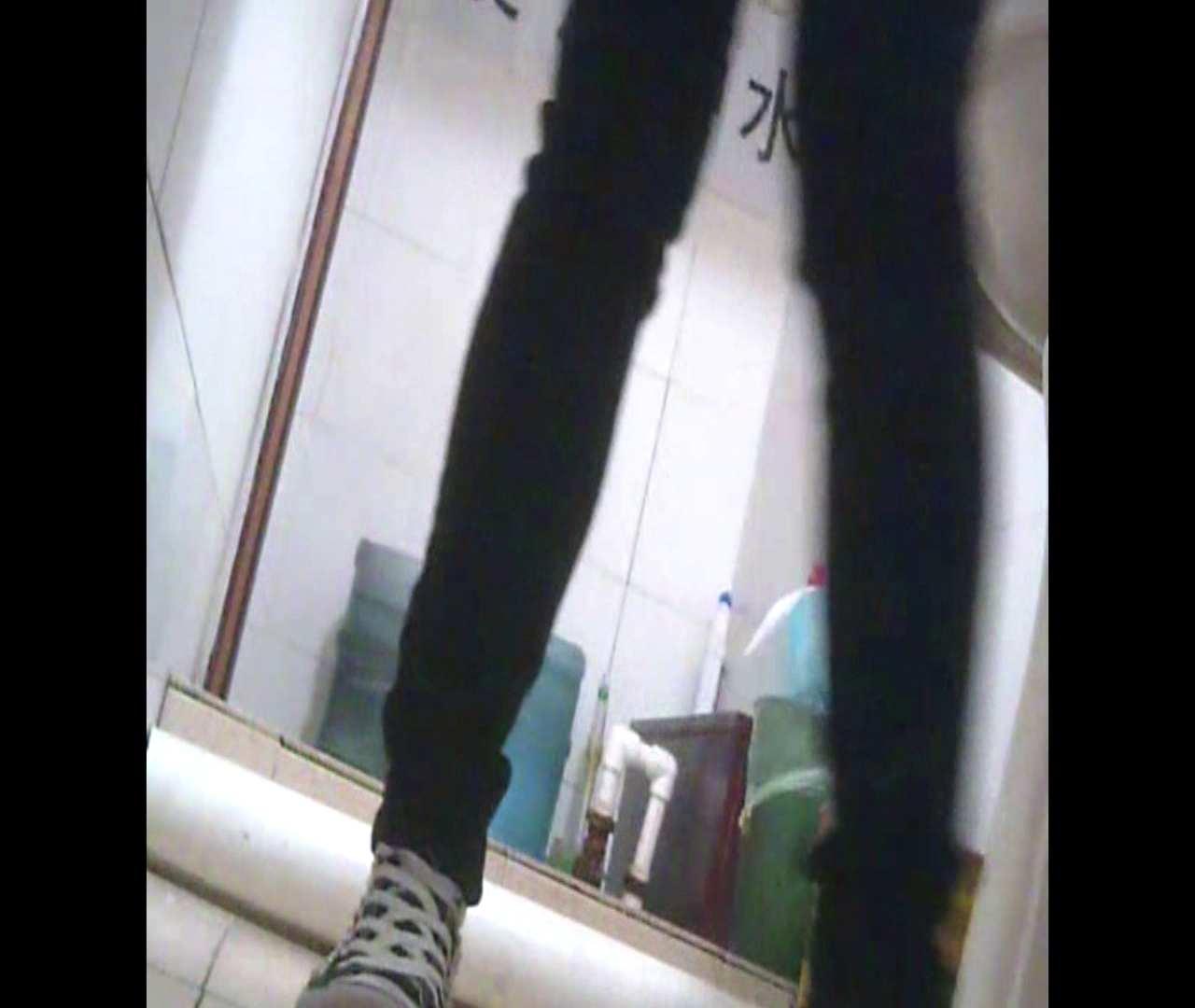 Vol.05 ズボンをはく時の左足! 丸見え | 洗面所シーン  102画像 25