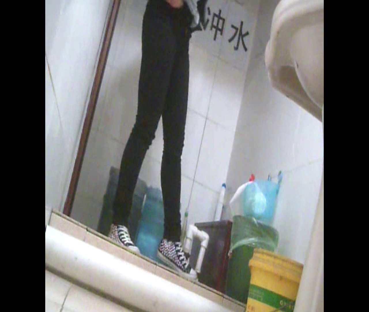 Vol.05 ズボンをはく時の左足! 丸見え | 洗面所シーン  102画像 69