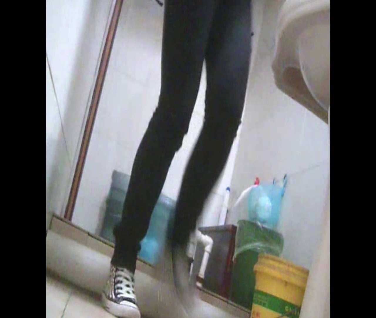 Vol.05 ズボンをはく時の左足! 丸見え | 洗面所シーン  102画像 83